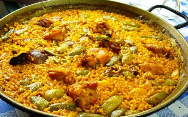 Паэлья по-валенсийски (Paella Valenciana)