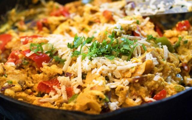 Мигас (migas) - овощное блюдо с хлебными крошками