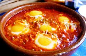 Яичная запеканка (Huevos a la Cazuela)