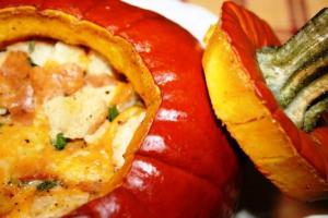 Фаршированная тыква с мясом, овощами и сыром