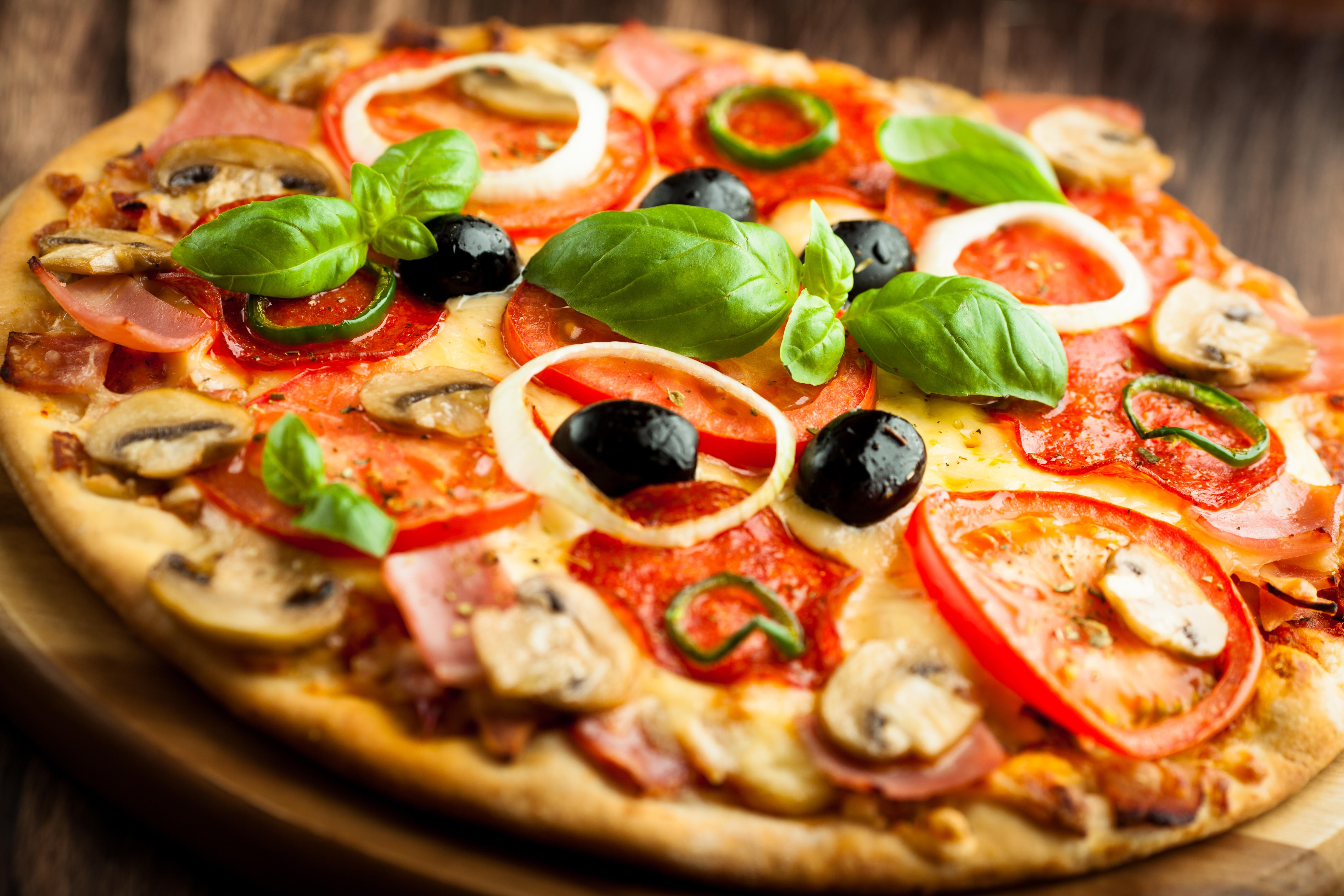 Пицца — универсальная и очень популярная еда