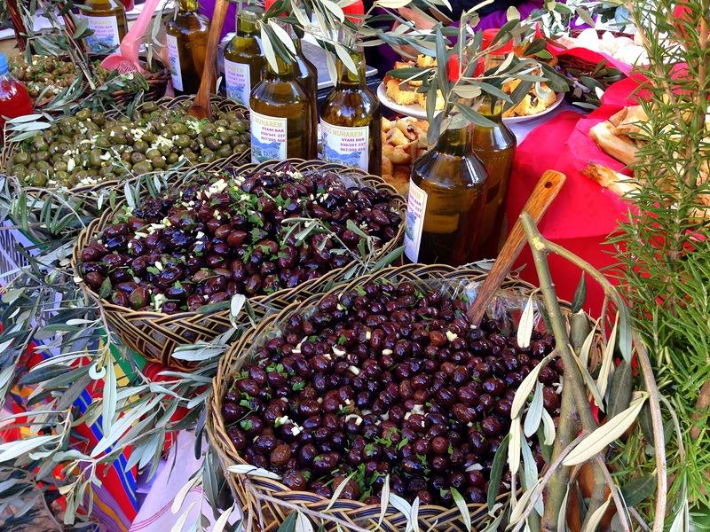 Масштабный праздник оливок в Андалусии
